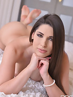 A Climax gets Her Cuming - Sensual Beauty's Solo Show free photos and videos on DDFNetwork.com